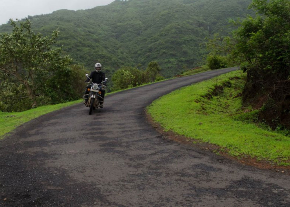 Way to Madhe Ghat