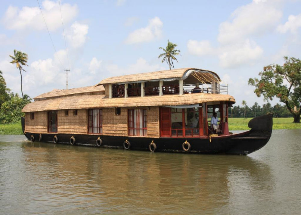 houseboat on karli river